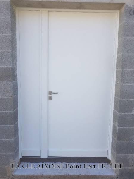 Pose de porte blind e et d pannage serrurerie aix en for Ouvrir une porte blindee